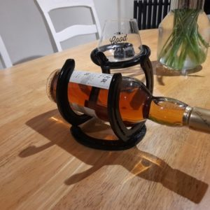 Horseshoe whiskey stand